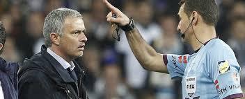 Los árbitros deberán expulsar a los entrenadores tardíos